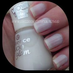 Essence Nude 07 Ice, Ice Baby! #essence #nude #white #nails #notd #manicure #nailart #polish #nailspolish #nailartadict #cutepolish #cool #fashion #nailideas #manicura #esmalte #uñas #unhas #blog #blogguer #blogasturias #bloggerasturias #beauty #beautyblog