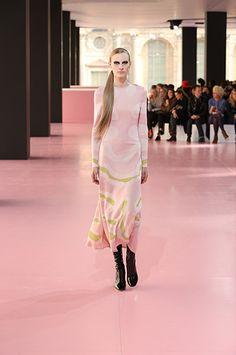 Silhouette_08 / DÉFILÉ PRÊT-À-PORTER AUTOMNE-HIVER 2015-16 / PRÊT-À-PORTER / Femme / Dior Site Officiel