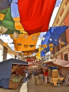 Seville, Spain. Colores en el mercado barroco de Olivares by Zú Sánchez, via Flickr