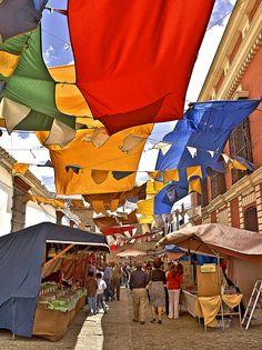 Seville, Spain. Colores en el mercado barroco de Olivares by Zú Sánchez, via Flickr