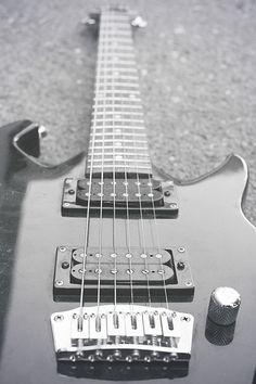 #Electric #guitar #sacantiquefaire