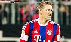 Bastian Schweinsteiger during the match vs schalke 04.