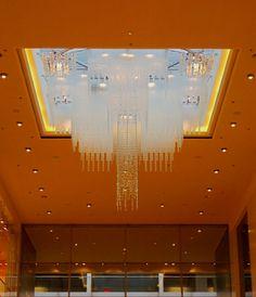 Vous avez besoin d'un lustre insolite? Les Artisans du Lustre fabriquent sur mesure tout luminaires de luxe... www.i-lustres.com