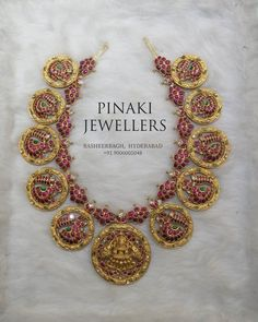 Kundan Nakshi Necklace ~ South India Jewels Bridal Jewelry, Gold Jewelry, Gold Necklace, Antique Necklace, Design Page, Design Ideas, Gold Earrings Designs, Necklace Designs, Jewelry Design