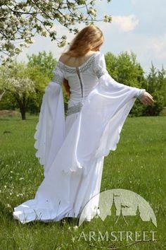"White Medieval Wedding Dress ""Isolde"""