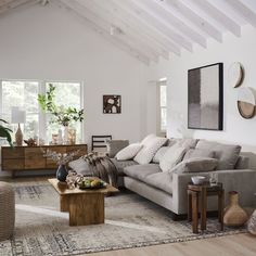 4 tips to successfully decorate your living room Our Holiday Seating Event is here- where you can save up to off of sofas chairs sectionals and more like our ULTRA comfy Harmony Sectional! Home Living Room, Apartment Living, Living Room Decor, Apartment Hacks, Living Room Goals, Bedroom Decor, Interior Design Living Room, Living Room Designs, Solid Wood Coffee Table