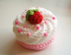 Crochet cupcake barrette by TwinkieChan Crochet Cake, Crochet Food, Cute Crochet, Crochet Crafts, Yarn Crafts, Crochet Projects, Knit Crochet, Twinkie Chan, Mad Hatter Party