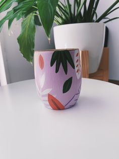 Pottery Painting, Diy Painting, Painting On Wood, Painted Plant Pots, Painted Flower Pots, Rock Crafts, Arts And Crafts, Flower Pot Design, Ceramics Projects
