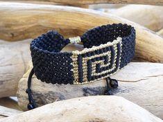 Black and gold macrame braceletGreek ancient symbolMeander Macrame Jewelry, Macrame Bracelets, Micro Macramé, Beaded Bracelet Patterns, Crochet Motif, Friendship Bracelets, Weaving, Pandora, Sculpture