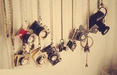 camera necklaces. I want.