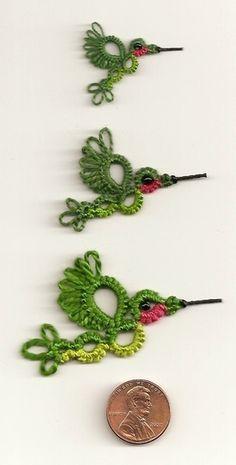 3 hummingbird sizes I love tatting maybe its time to start again Filet Crochet, Irish Crochet, Crochet Motif, Knit Crochet, Crochet Patterns, Doily Patterns, Crochet Doilies, Shuttle Tatting Patterns, Needle Tatting Patterns