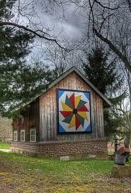 Small Appalachian Quilt Barn by nanette Barn Quilt Designs, Barn Quilt Patterns, Quilting Designs, Mosaic Patterns, Quilting Ideas, Country Barns, Old Barns, Country Farmhouse, Country Living