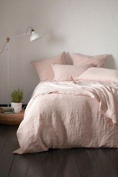 The perfect place for spending Sunday mornings. We love this relaxed linen bedroom style. Discover our Secret Linen Store. Blush Pink Bedroom, Pink Bedding Set, Pink Bedroom Decor, Pink Bedrooms, Linen Bedroom, Dream Bedroom, Linen Bedding, Bedding Sets, Bed Linens
