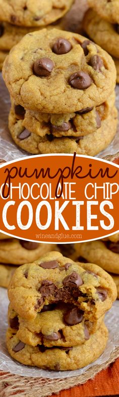 These Pumpkin Chocolate Chip Cookies are a fall twist on your favorite! Crisp on… These Pumpkin Chocolate Chip Cookies are a fall twist on your favorite! Crisp on… Easy No Bake Desserts, Fun Desserts, Delicious Desserts, Dessert Recipes, Holiday Desserts, Vegan Desserts, Yummy Cookies, Yummy Treats, Sweet Treats