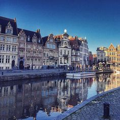 Canal living in Ghent, Belgium. Photo courtesy of earlandladygray on Instagram.