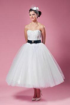 Rockabilly Hochzeitskleid in schwarz weiß Maßanfertigung