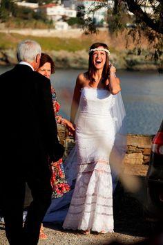 """Ρομαντικά νυφικά δαντέλα : """"d.sign by Dimitris Katselis"""" real bride. Νυφικό με απλικαρισμένες τρέσες δαντέλα , ραμμένες στο χέρι."""