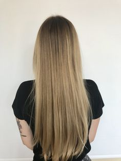 This beautiful Balayage hair color was done by our very own stylist, Teagan! Book a free consultation with one of our amazing hairstylist @belladoraspa by calling ☎️(760)438-7404 #haircolor #balayage #balayageombre #hairstylist #longhair #summerhair #belladoraspa #belladora