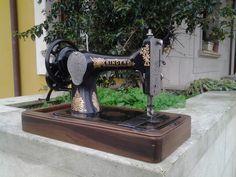 Máquina de coser Singer a manivela Restaurada