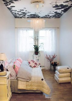 floral wallpaper for ceiling decorating in white and black colors