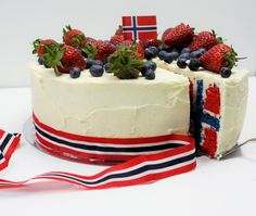 My flag cake for mai in Norway ✌ Cookie Cake Pie, Cake Cookies, Norway National Day, Norwegian Flag, Norwegian Style, Flag Cake, Scandinavian Food, Something Sweet, Food Videos
