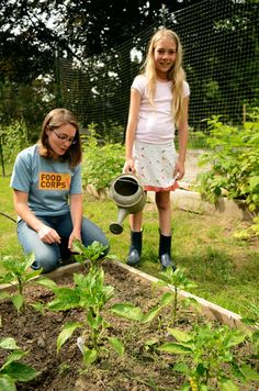 School gardens are a vital educational tool! Create opportunity to talk to your kids about the importance of healthy eating habits. #kidsgarden #organic #teach School Garden Grants | Whole Kids Foundation