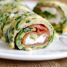 Easy like Sunday brunch recept: omelet wraps met zalm en cottage cheese Low Carb Recipes, Cooking Recipes, Healthy Recipes, Food Porn, Snacks Für Party, Happy Foods, Food Inspiration, Love Food, Healthy Snacks