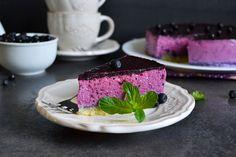 Či si čučoriedky nazbierate, kúpite alebo sami pestujete v záhradke, užite si ich do sýtosti! Inšpirujte sa našim receptom na cheesecake s čučoriedkami :-).