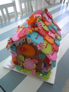 Gingerbread house - absolutely adore!