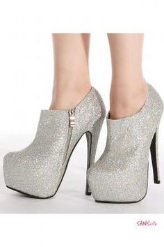 Chaussures de soirée | chaussures, talons aiguilles, mode, luxe, tendance, shoes. Plus de nouveautés sur http://www.bocadolobo.com/en/news/