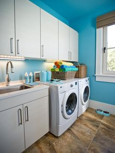 HGTV Dream Home 2013 laundry room.  I would happily do my laundry here, but it is in SC and I am not!