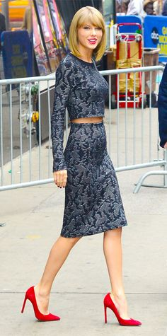 Look of the Day - November 12, 2014 - Taylor Swift in Calvin Klein Collection from #InStyle
