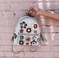 Shopping finds: a must-have floral mini by Fendi Huang. Backpack Purse, Mini Backpack, Floral Backpack, Chanel Handbags, Purses And Handbags, Mochila Floral, Mochila Chanel, Fashion Bags, Fashion Backpack
