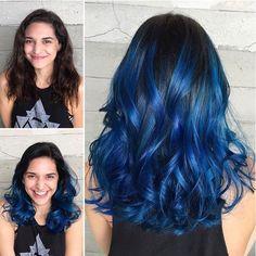 20 Awesome Blue Black Hair Looks To Raise Charm Pretty Hair Color, Beautiful Hair Color, Wavy Bob Hairstyles, Pretty Hairstyles, Hairstyle Ideas, Short Hair With Bangs, Coloured Hair, Hair Photo, Blue Hair