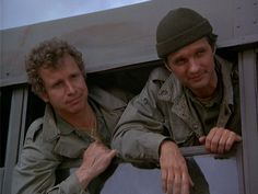 Trapper and Hawkeye :-) Great Tv Shows, Old Tv Shows, Mash Characters, Alan Alda Mash, Wayne Rogers, Mash 4077, Hogans Heroes, Tv Head, 80s Tv
