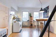 Geräumige und offene Küche in schöner Berliner Wohnung.  Wohnen in Berlin Neukölln.  #Berlin #Neukölln #Wohnung #Küche #kitchen #interior