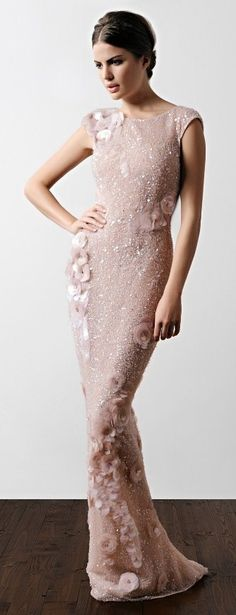 Blush wedding | blush wewdding dress | blush bridal dress | blush bridesmaids dress | Pinterest: The Girl Life