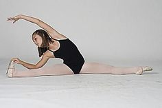 A Straddle Stretch Routine for Learning to Do the Splits: Grab Foot and Stretch Daily Stretching Routine, Daily Stretches, Splits Stretches, Back Stretching, Ballet Stretches, Stretch Routine, Stretches To Increase Flexibility, Straddle Stretch, Online Dance Lessons