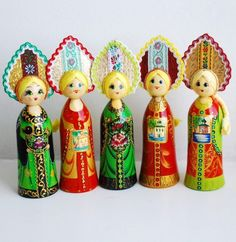 Wooden painted dolls are traditional Russian toys. #folk #art #Russian #dolls