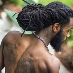 There are a lot of elegant black men dreadlock styles that make Africa-Americans different from the other citizens. Peculiar hairstyles have contributed to grea