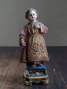 Etsy のInfant Baby Jesus of Prague Glass Eye Antique Religious Statue Vintage Figure /255(ショップ名:GliciniaANTIC)