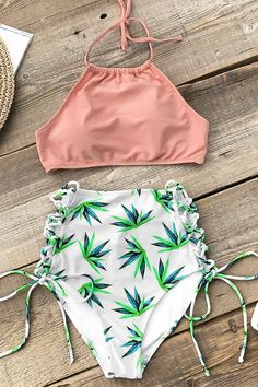 Get tropical in the a bikini set. This pink high-neck halter bikini top features lace-up & padded cups. Bikini bottoms in a fun tropical leaf print. Shop now! Cute Bikinis, Cute Swimsuits, Two Piece Swimsuits, Women Swimsuits, Trendy Bikinis, Cupshe Swimsuits High Waist, Bikini Dos Nu, Bikini Modells, Haut Bikini