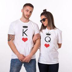 t-shirt couple Roi Reine jeu de carte T-shirt Couple, Couple Tshirts, T Shirts For Women, Couples, Fashion, Printed Shirts, Couple Clothes, Matching Clothes, King