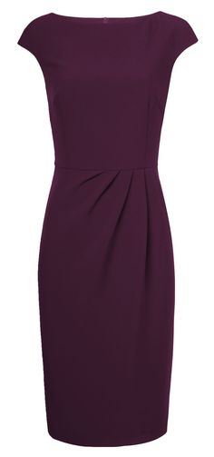 Love the color and the perfectly placed pleating so it doesn't cling to the tummy area