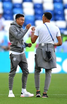 Jesse Lingard Photos - Jesse Lingard of England speaks with Trent Alexander-Arnold of England during a pitch inspection prior to the 2018 FIFA World Cup Russia group G match between England and Belgium at Kaliningrad Stadium on June 28, 2018 in Kaliningrad, Russia. - England vs. Belgium: Group G - 2018 FIFA World Cup Russia England National Football Team, England Football, National Football Teams, Football Boys, Football Match, Neymar, Real Madrid, Mbappe Psg, Manchester United Wallpaper