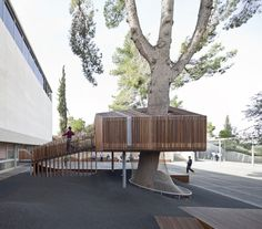 The Youth Wing for Art Education Entrance Courtyard  / Ifat Finkelman + Deborah Warschawski