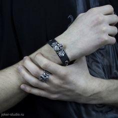 Мужской кожаный браслет и кольцо с черепом стильный подарок для неформала