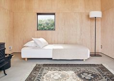 Muji Hut, a tiny prefab timber cabin for a minimalist living Prefab Cabins, Prefabricated Houses, Prefab Homes, Tiny Cabins, Eco Homes, Maison Muji, Cabana, Casa Muji, Muji Hut