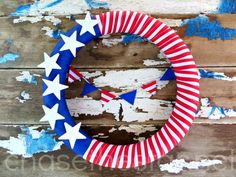 4th of July Wreath make it easily with supplies from @MichaelsStores #MichaelsMakers #redwhiteandblue #4thofJuly #Patriotic #bunting #wreath...