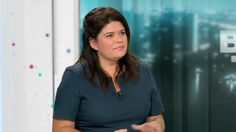 "Raquel Garrido appelle à ""respecter les gens qui sont dans la rue"""